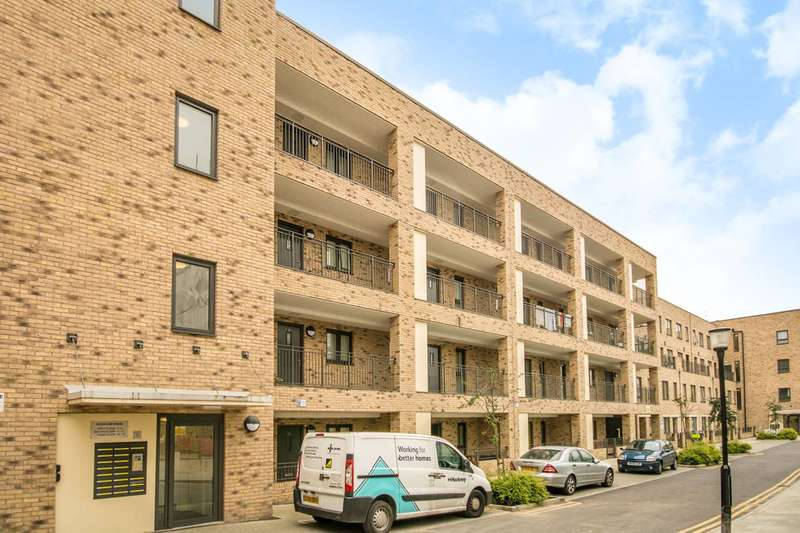3 Bedrooms Maisonette Flat for sale in Shepherds Lane, Hackney, E9