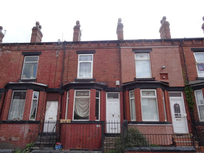 4 Bedrooms Terraced House for sale in Cowper Grove - Harehills