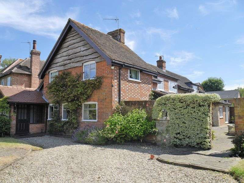 4 Bedrooms Detached House for sale in Chalgrove