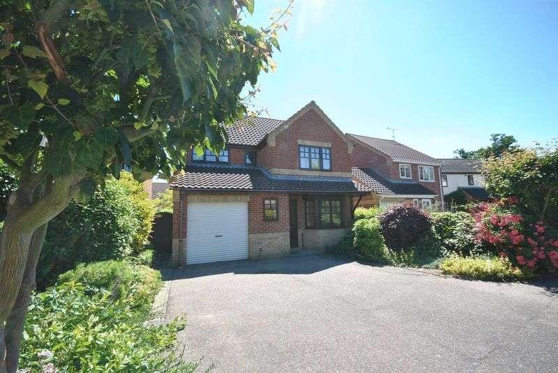 4 Bedrooms Detached House for sale in Hawk Close, Hethersett, Norwich