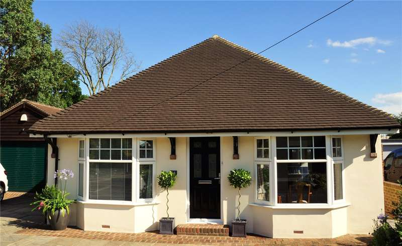 4 Bedrooms Detached Bungalow for sale in Armadale Road, Chichester, West Sussex, PO19