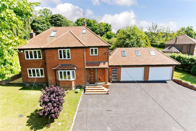 5 Bedrooms Detached House for sale in The Close, Bourne End, Buckinghamshire, SL8