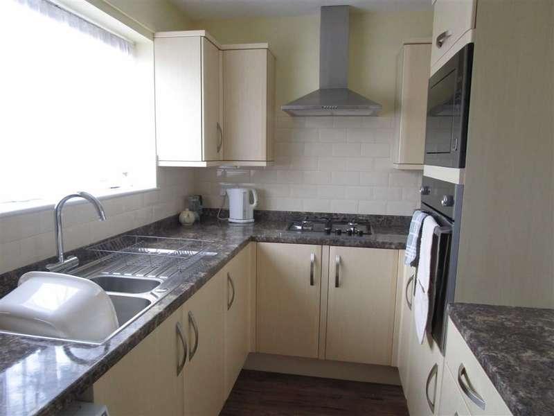 3 Bedrooms Property for sale in Goldsworthy Way, Cippenham, Berkshire