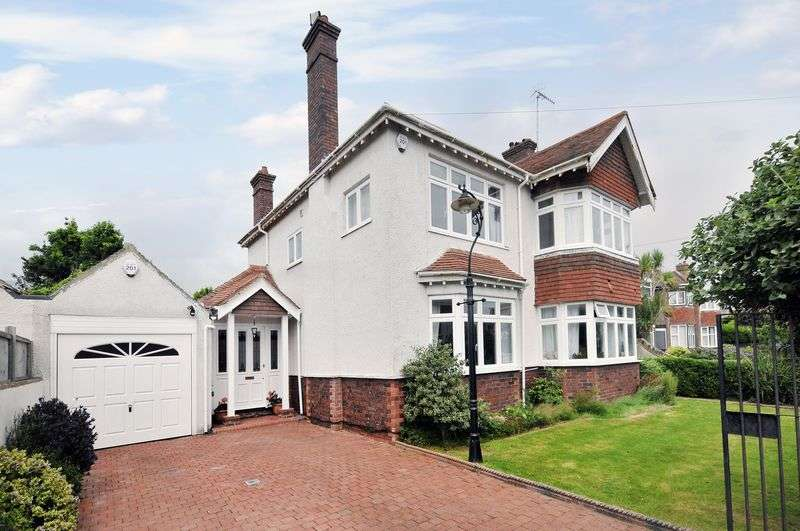 4 Bedrooms Detached House for sale in Rowlands Road, Worthing