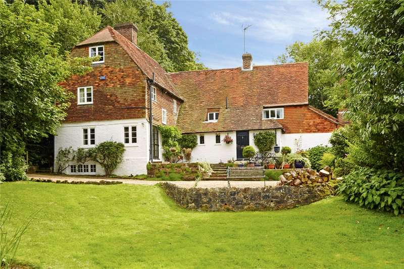 4 Bedrooms Detached House for sale in Boars Head Road, Boars Head, Crowborough, East Sussex, TN6
