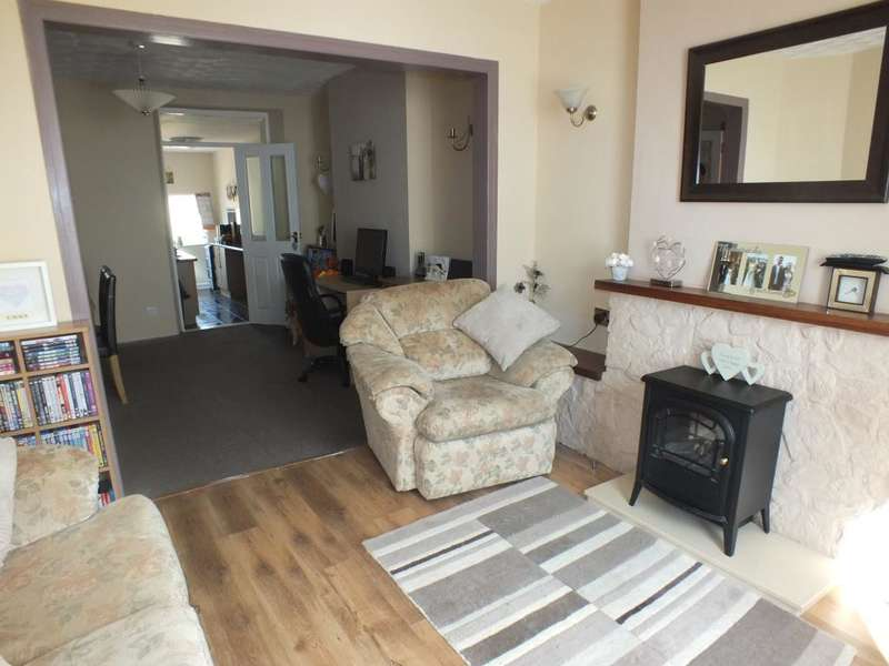 2 Bedrooms Terraced House for sale in Vicary Street, Milford Haven, Pembrokeshire