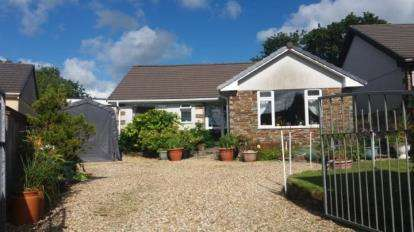 2 Bedrooms Bungalow for sale in Bugle, St. Austell, Cornwall