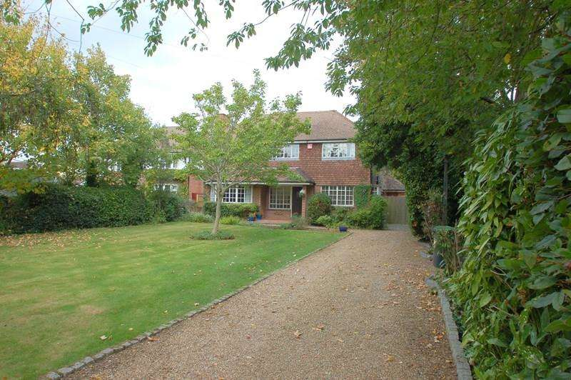 4 Bedrooms Detached House for sale in Western Way, Alverstoke, Gosport