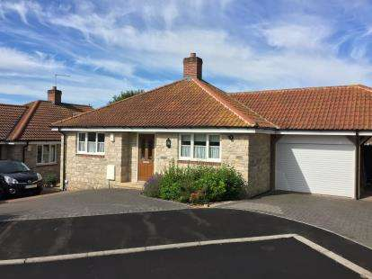 2 Bedrooms Bungalow for sale in Mere, Warminster, Wiltshire