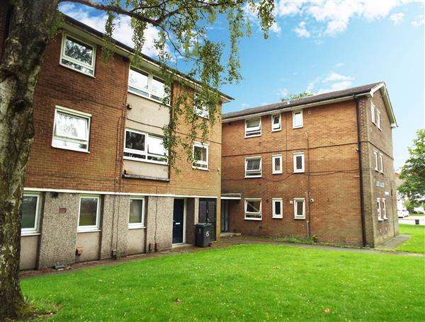 2 Bedrooms Apartment Flat for sale in Flake Lane, Oldham