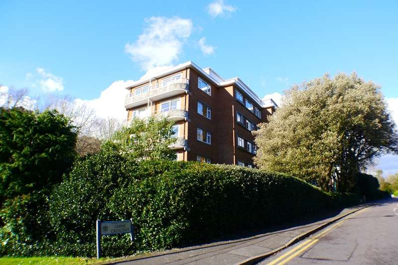 2 Bedrooms Flat for sale in West Cliff