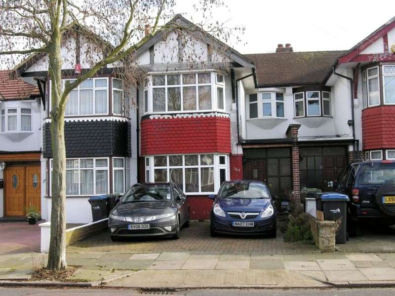 3 Bedrooms Terraced House for rent in Empire Avenue, London
