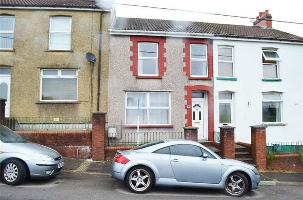 3 Bedrooms Terraced House for sale in Cross Street, Gilfach, Bargoed, Caerphilly