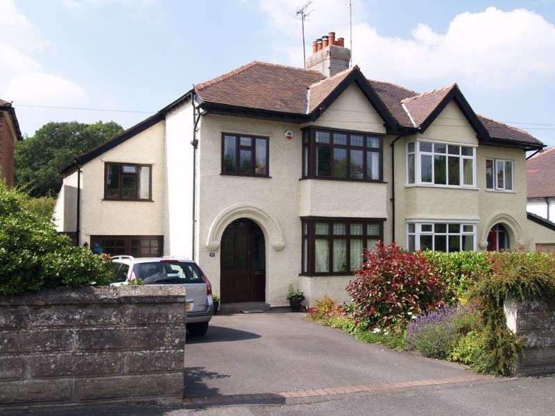 4 Bedrooms Semi Detached House for sale in Dee Park Road, Gayton