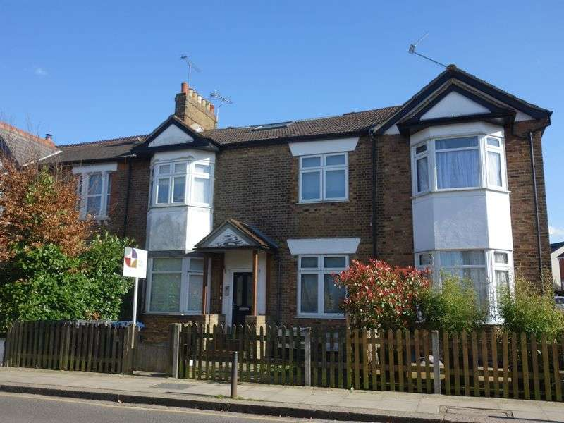 3 Bedrooms Flat for sale in Alston Road, High Barnet