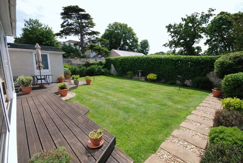 4 Bedrooms Detached House for sale in Springfield Park, Trowbridge