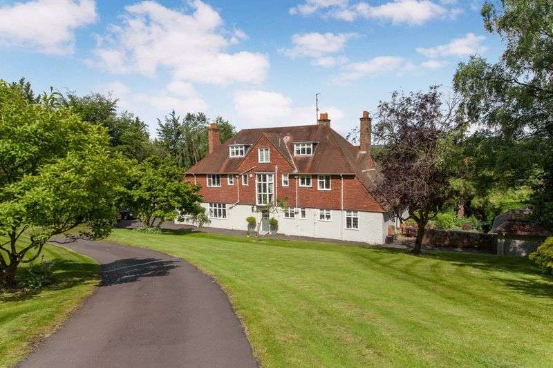 8 Bedrooms Detached House for sale in RIVERSIDE COOKHAM DEAN