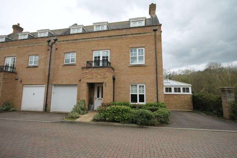 4 Bedrooms Semi Detached House for sale in Burnett Road, The Avenue, Repton Park