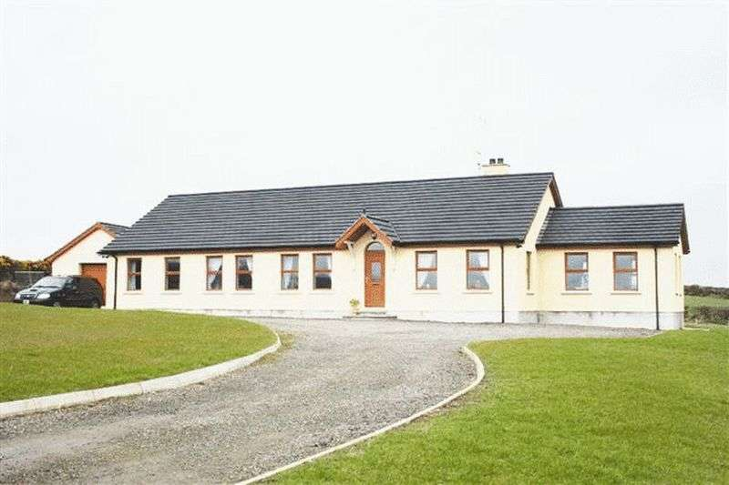 5 Bedrooms Detached Bungalow for sale in 12 Dechomet Road, Dromara