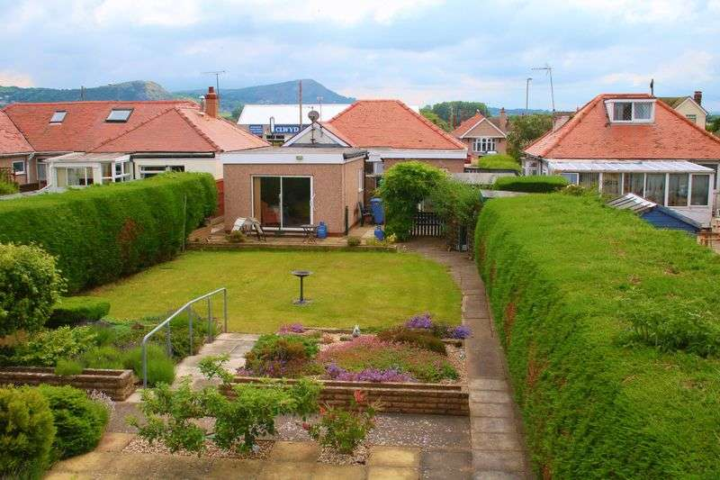 3 Bedrooms Detached Bungalow for sale in Victoria Road West, Prestatyn