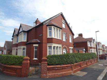 5 Bedrooms Semi Detached House for sale in Hodgson Road, Blackpool, Lancashire, FY1