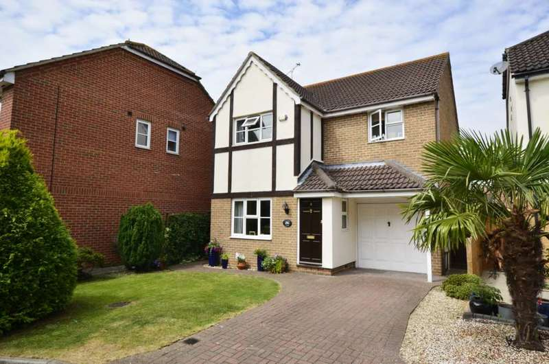 4 Bedrooms Detached House for sale in Sussex Court, Billericay