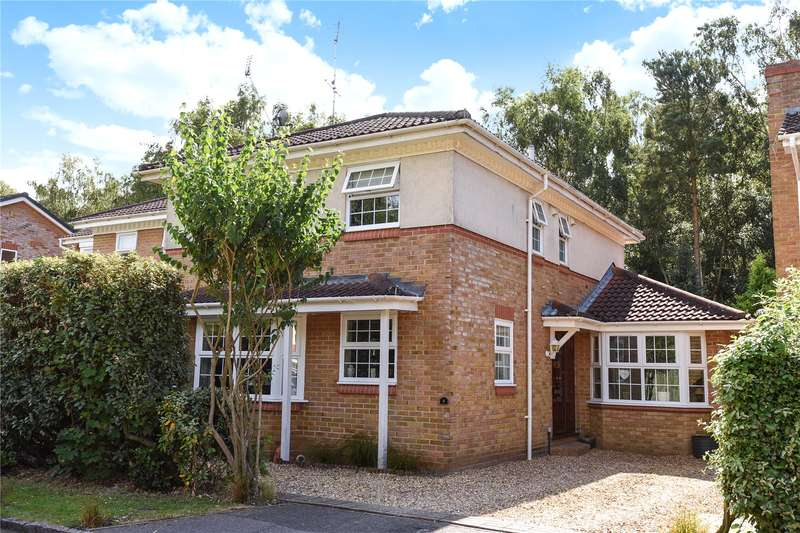 4 Bedrooms Detached House for sale in Trotwood Close, Owlsmoor, Sandhurst, Berkshire, GU47