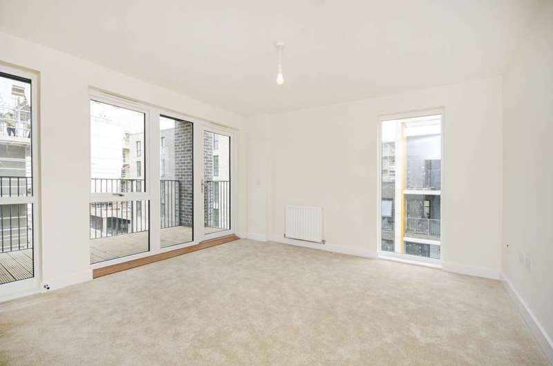 2 Bedrooms Flat for sale in Observer Close, Colindale, NW9