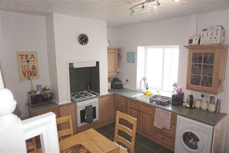2 Bedrooms Property for sale in Everton Street, Darwen, Lancashire