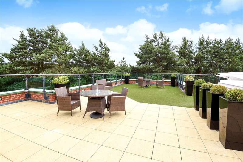 1 Bedroom Apartment Flat for sale in Stokes Lodge, 3 Park Lane, Camberley, Surrey, GU15