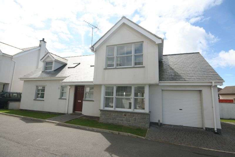4 Bedrooms Detached House for sale in Lon Tesog, Trearddur Bay, Anglesey