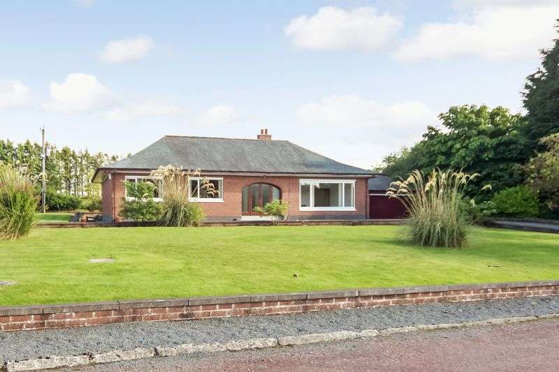 3 Bedrooms Detached Bungalow for sale in Lee Meadow Road, Braidwood