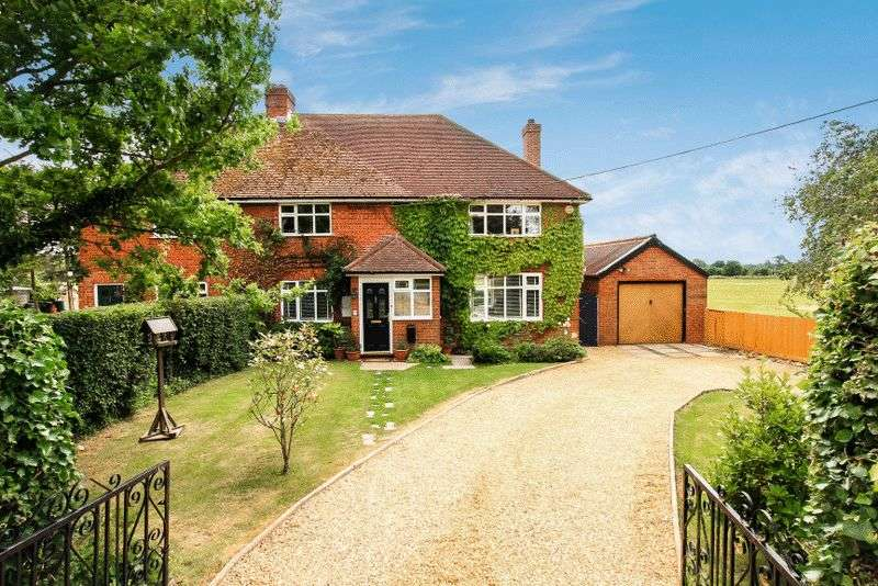 4 Bedrooms Semi Detached House for sale in North Lee Lane, Terrick