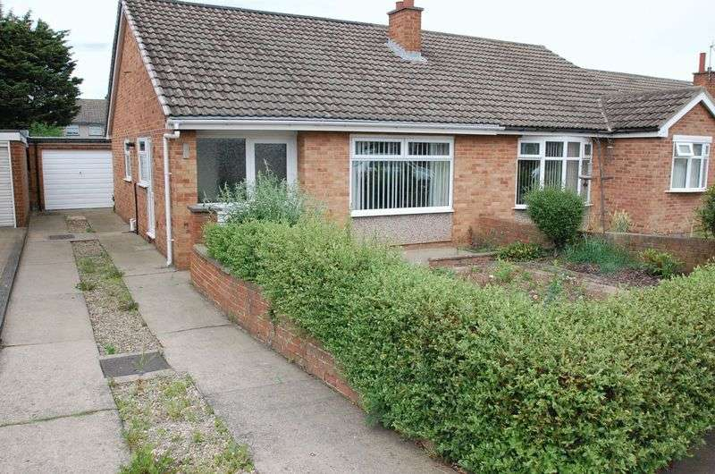 2 Bedrooms Semi Detached Bungalow for sale in Cunningham Drive, Thornaby, Stockton-On-Tees