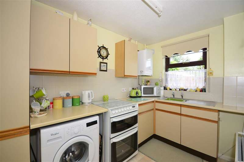 2 Bedrooms Semi Detached House for sale in Ashby Close, Halling, Rochester, Kent