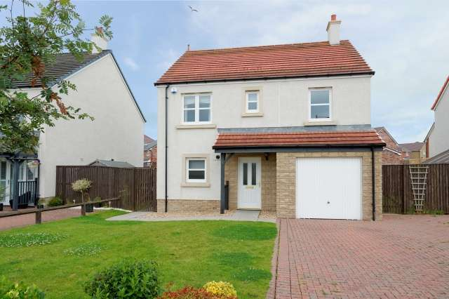 4 Bedrooms Detached House for sale in Pearce Avenue, Barassie, Troon, KA10 7NL