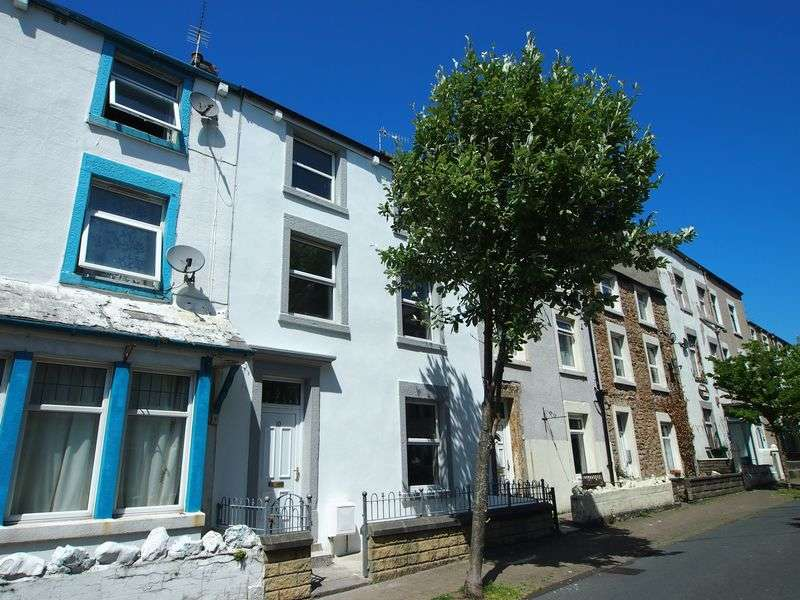 4 Bedrooms Terraced House for sale in Clark Street, Morecambe