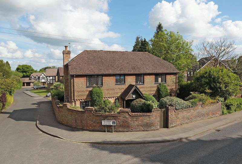5 Bedrooms Detached House for sale in Twyfords, Crowborough, East Sussex