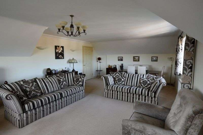 2 Bedrooms Retirement Property for sale in Chantry Court, Westbury