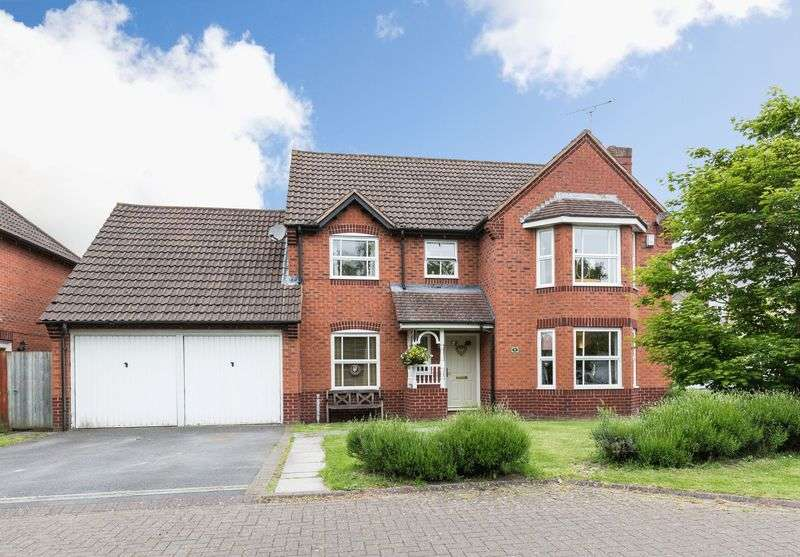 4 Bedrooms Detached House for sale in Devizes, Wiltshire, SN10 3UB