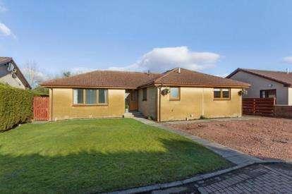 4 Bedrooms Bungalow for sale in Hermand Gardens, West Calder