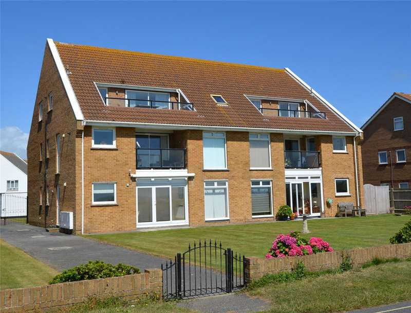 3 Bedrooms Flat for sale in Manderley, Sea Road, Milford On Sea, Hampshire, SO41