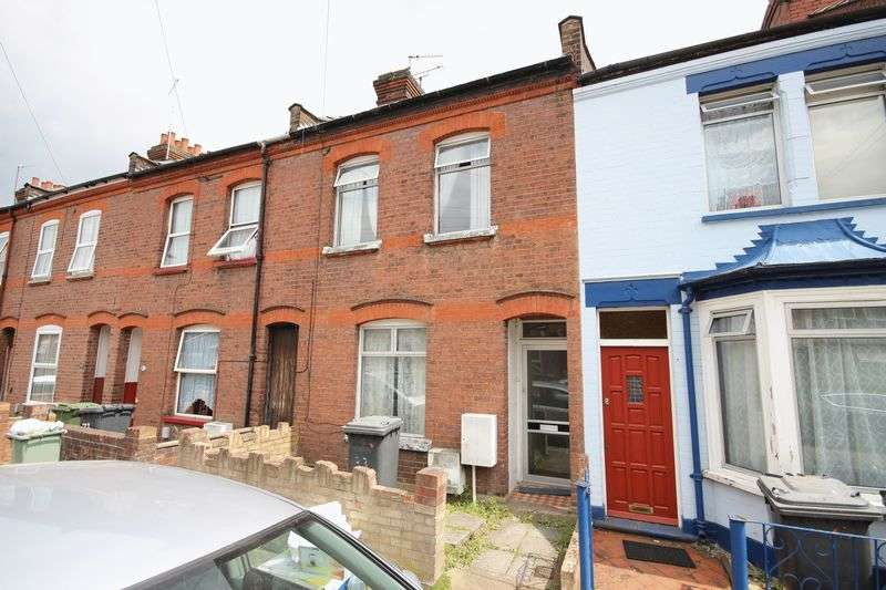 3 Bedrooms Terraced House for sale in Newcombe Road, Luton