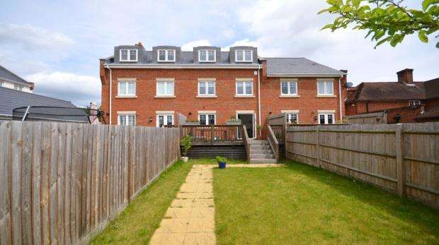 4 Bedrooms Terraced House for sale in Oldfield Road, Maidenhead, Berkshire
