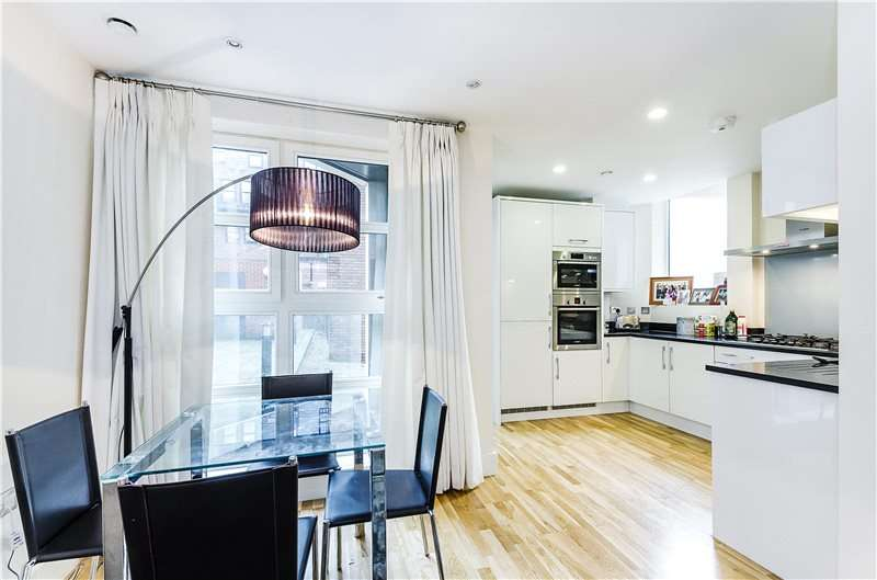 1 Bedroom Flat for sale in Westrovia Court, Moreton Street, London, SW1V