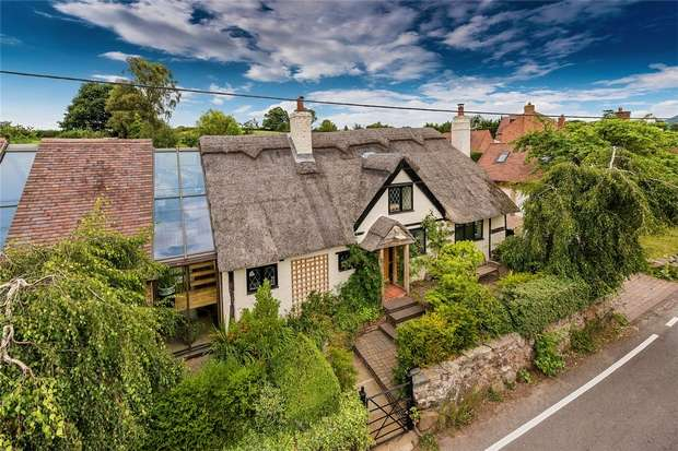 4 Bedrooms Country House Character Property for sale in Wayside, Eaton Constantine, Shrewsbury, Shropshire