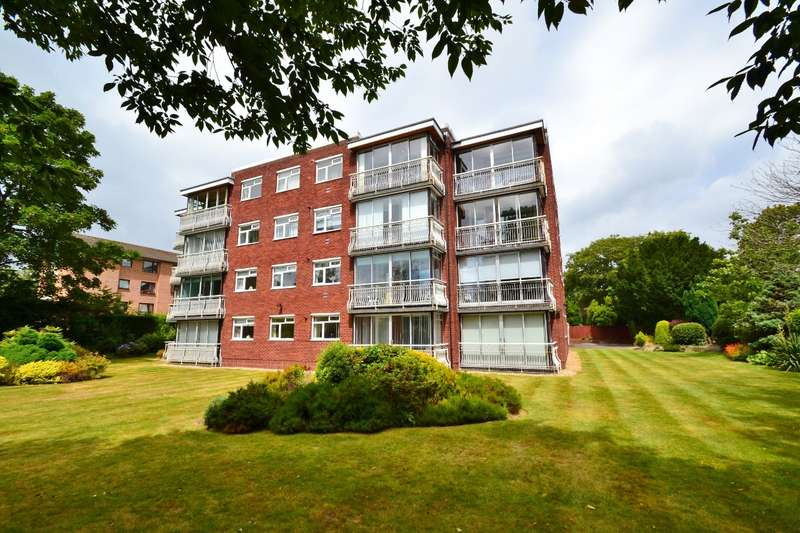 3 Bedrooms Flat for sale in Westbourne