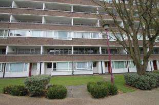 Flat for sale in Lemare Lodge, Fair Acres, Bromley