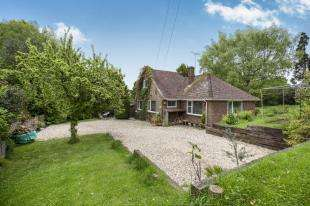 3 Bedrooms Bungalow for sale in Rectory Close, Etchingham Road, Burwash