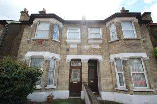 3 Bedrooms Semi Detached House for sale in Carew Road, Thornton Heath